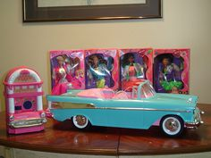 I wanted all this as a kid......I think I had the redhead, Bopsy, and maybe the barbie.......I loves barbie and the sensations....remember the cassette that went with it?