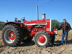 1965 FARMALL 1206 STANDARD FWD Farmall Tractors, Old Tractors, John Deere Tractors, Classic Tractor, Case Ih, Down On The Farm, International Harvester, Farm Life, Barns