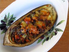 μικρή κουζίνα: Μελιτζάνες γεμιστές με λαχανικά και γραβιέρα