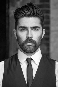 Want a straighter beard? Check out the best straight beard styles and learn how to achieve them (even if you have a curly beard!) with beard straightening products like beard balm and beard straightening combs and brushes. Beard Styles For Men, Hair And Beard Styles, Facial Hair Styles, Professional Beard Styles, Professional Hairstyles, Peaky Blinder Haircut, Bart Styles, Classic Mens Hairstyles, Men's Hairstyles