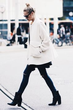Steal This Street Style Star's Cool Black And White Outfit