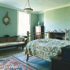 Google Image Result for http://www.katyelliott.com/beta/wp-content/uploads/2012/02/world-of-interior-jamb-packed-guest-room.jpg