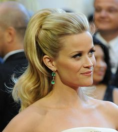 23 Reese Witherspoon Hairstyles- Reese Witherspoon Hair Pictures reece witherspoon half up half down hair styles Oscar Hairstyles, Ponytail Hairstyles, Down Hairstyles, Pretty Hairstyles, Wedding Hairstyles, Medium Hairstyles, Updos, Beach Hairstyles, Men's Hairstyle