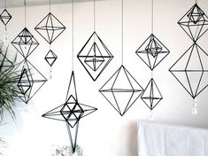Wire Crafts, Fun Crafts, Diy And Crafts, Handmade Ornaments, Handmade Christmas, Straw Sculpture, Wedding Props, Geometric Art, Christmas Tree Ornaments