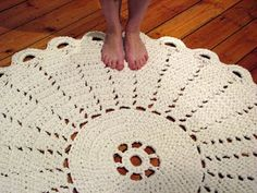 Crochet Rug tutorial - with jersey yarn - perfect for my YW project...