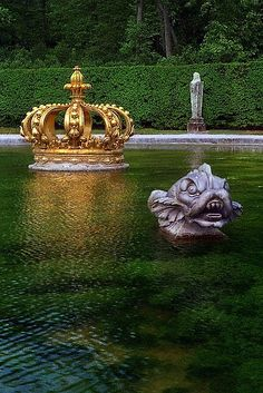 "The ""Fountain of the Crown"" at château Vaux-le-Vicomte, Paris we went to this castle on our trip to Paris with Martha Saint Michael, Paris Travel, France Travel, Vaux Le Vicomte, Belle France, Chateau Versailles, Visit France, I Love Paris, Historical Sites"