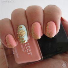 peach, mint, and gold beach nails