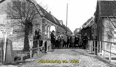 Zoetermeer: De Pilatusbrug omstreeks 1925 Holland, Castle, Around The Worlds, Netherlands, The Netherlands, Castles