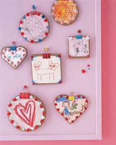 Lots of cute little Valentine's Day Crafts