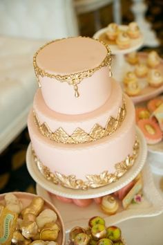 gold and peach! but not as fancy. and not fondant.