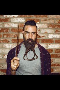 Mr. Incredibeard et ses sculptures sur barbe insolites sur Instagram - L'Express Les reliques de la mort