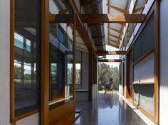 Dogtrot House / Dunn and Hillam