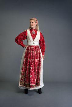 Folk Costume, Costumes, Belly Dancers, Nordic Style, Scandinavian Design, Beautiful Outfits, Folk Art, Ethnic, Stylish