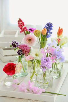 Cómo renovar el aspecto de tu salón con poco presupuesto....añadiendo algún detalle...como flores