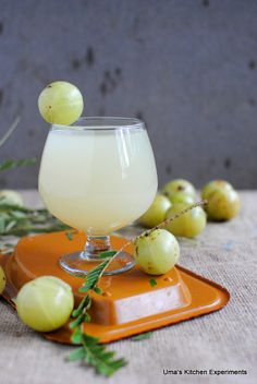 I bookmarked this amla lemonade from Priya of Priya& versatile recipes . After trying it couple of times, it became one of my favorite . Healthy Juice Recipes, Healthy Juices, Healthy Drinks, Smoothie Recipes, Healthy Nutrition, Refreshing Drinks, Summer Drinks, Fun Drinks, Beverages