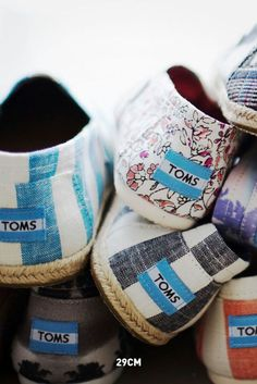Shop TOMS Black Friday offer: Get 25% off select TOMS styles
