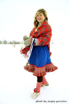 Sami girl in Kautokeino, Finnmark Fylke, Norway We Are The World, People Of The World, Traditional Fashion, Traditional Dresses, Folk Costume, Costumes, 23 And Me, Lappland, My Heritage
