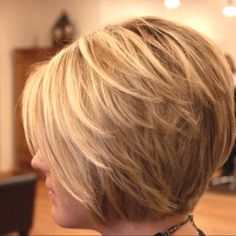 I really love how the layers lay with this cut. Maybe when I lose weight I can do it?