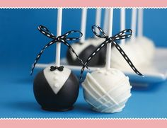 Bride & Groom cake pops.. so cute. So many great ideas for cake pops