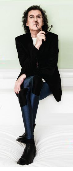 charly garcia John Frusciante, Music Bands, Bell Sleeve Top, Bell Sleeves, Rock N Roll, Rock Stars, Editorial, Women, Style