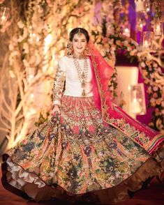 Latest Collection of Pakistani Bridal Dresses 2019 Aiman Muneeb Shadi Dresses, Pakistani Formal Dresses, Pakistani Wedding Outfits, Indian Gowns Dresses, Pakistani Wedding Dresses, Pakistani Dress Design, Bridal Outfits, Pakistani Mehndi Dress, Evening Dresses