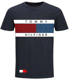 Polo Shirt Outfits, Mens Polo T Shirts, Boys T Shirts, Shirt Print Design, Shirt Designs, Casual Wear For Men, Versace Men, My T Shirt, Lacoste