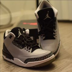 super popular bec6a b5222 Jordan Shoes   Air Jordan Retro 3 Wolf Grey   Color  Black Gray   Size  10