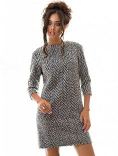 Стильное шерстяное платье прямого кроя, фото 1
