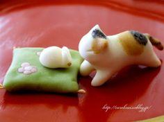 猫の日に猫練り切りの画像:お茶の時間にしましょうか-キャロ&ローラのちいさなまいにち- (元新浦安マダムの憂鬱)