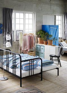 KALLAX open kast met deurtjes   IKEA IKEAnederland inspiratie wooninspiratie woonkamer hal opberger vakkenkast