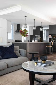Hamptons style open plan living room and kitchen in contemporary new build family home. Open Plan Kitchen Living Room, Open Plan Living, Living Room Designs, Living Spaces, Maximalist Interior, New York Loft, Loft Style, Home Decor Signs, New Builds