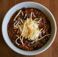 Healthy Chicken Chili Recipe - This is almost my recipe for my Three Bean Turkey Chili, just made with Chicken instead. I must try soon. :)