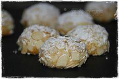 Sizilianische Mandorlini (32 Stück)  100 g Zucker 15 Sek./St.10 150 g gemahlene Mandeln (ohne Haut)30 g Mehl 405er½ Pck. Backpulver1 Eiweiß200 g Marzipanrohmasse(in Stücke geschnitten)20 g Amaretto 1