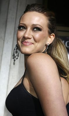 Hilary Duff rocks the low pony. Watch Hilary Duff in Younger from the creator of Sex and the City. Premieres March 31 10/9C on TV Land. Watch a sneak preview at http://www.tvland.com/shows/younger.