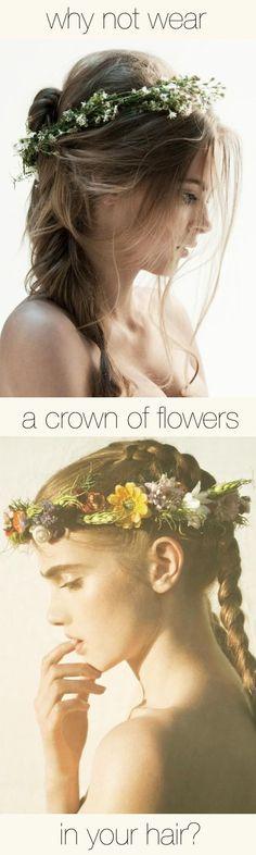 Eso... ¿Por que no usar una corona de flores en tu día?