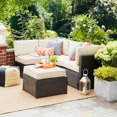 With classic design and clean lines, this Sedona 5-Piece All Weather Wicker Sectional from Threshold is just the set you need to add style and comfort to your outdoor patio or deck space. Featuring a weather-resistant and fade-resistant construction, this all-weather wicker sectional includes 2 patio armless sectional seats, 1 patio ottoman, 2 patio corner seats, and is exactly what you were looking for to complete your outdoor entertaining needs.
