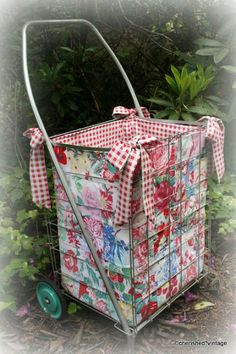 cherished*vintage: Farm Chicks! Have Cart - Will Shop
