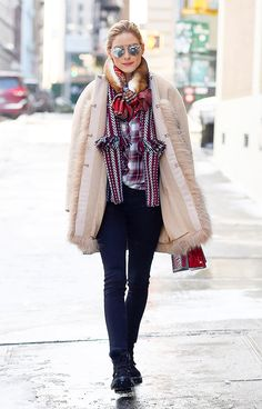 Olivia Palermo beat the dreadful January weather in New York with a stylish outfit, proving that it's possible to look good when it's cold. See it here.