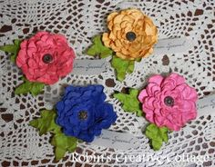 http://robinscreativecottage.blogspot.com/2011/09/flower-corsage-for-special-ladies.html