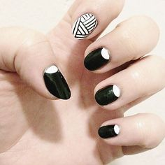 WEBSTA @ mojospa - #black and #white #classic #nails with a touch of #geometric #design Call to book your appointment (773)235-6656...#chromenails #nailart #naildesign #moonnails #chicagonails #chicago #blackandwhitenails #reversemanicure #frenchnails #frenchtip #bucktown #geometricnails #geometric