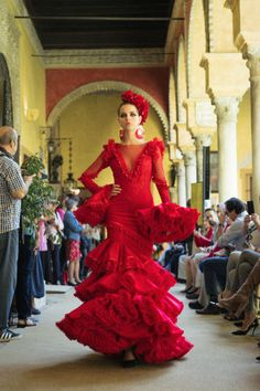 Flamenco Wedding, Flamenco Party, Flamenco Dancers, Flamenco Dresses, Spanish Dress, Spanish Style, Red Frock, Flamingo Dress, Spanish Woman