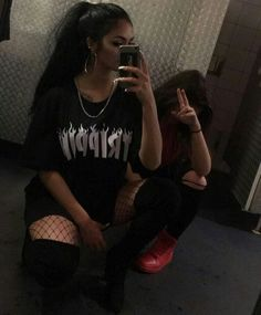 Find images and videos about black and white, dress and best friends on We Heart It - the app to get lost in what you love. Edgy Outfits, Girl Outfits, Cute Outfits, Fashion Outfits, Gina Lorena, Chola Style, Maggie Lindemann, Artsy Photos, Native American Fashion