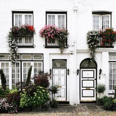 The Everygirl's Weekend City Guide to London