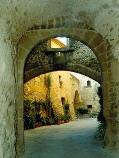 Catalunya arches