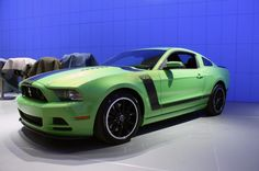 2013 Mustang Boss 302  Ok saw one of these today OMG its amazing in person!!!!!