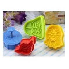 of Star Wars Plunger Cookie Cutter Sets, 4 Cutters in Each Set: Darth Vader, Chewbacca, and Yoda Star Wars Cookies, Star Wars Cookie Cutters, Cookie Cutter Set, Star Wars Birthday, Star Wars Party, Chewbacca, Star Wars Yoda, Star Wars Kitchen, Biscuits