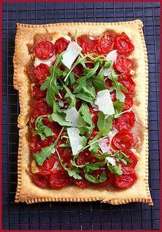 Roasted Tomatoes, Red Onions and Arugula Tart — Tarte aux tomates confites, oignons rouges et roquette   La Tartine Gourmande