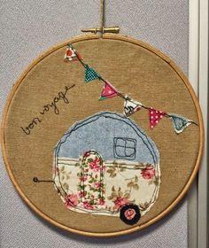 Sweet-à-porter: hoop art - piqué libre Patchwork, Free Motion Embroidery, Cross Stitch Embroidery, Cross Stitch Patterns, Applique Designs, Fabric Scraps, Quilts, Textiles, Sewing