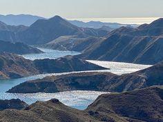 Una perpectiva del oantano y el mar al fondo, lograda al paso de la ruta mtb desde el Oeste a Sur. Villas, Mount Everest, Outdoors, Mountains, Nature, Travel, Vacation Places, Real Estate, Paths