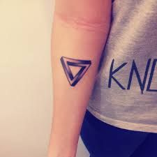Resultado de imagen para tattoo triangle color